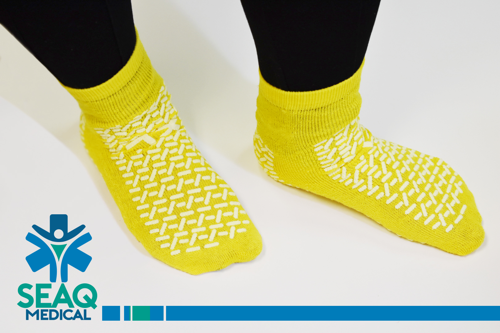 pretty nice 8dab1 4c20d Non Slip Medical Socks ...